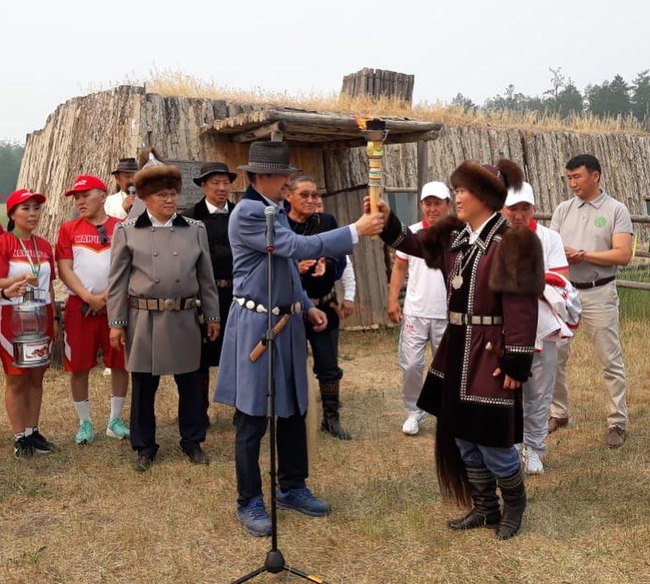 Эстафета огня Игр Манчаары стартовала в Мегино-Кангаласском районе Якутии