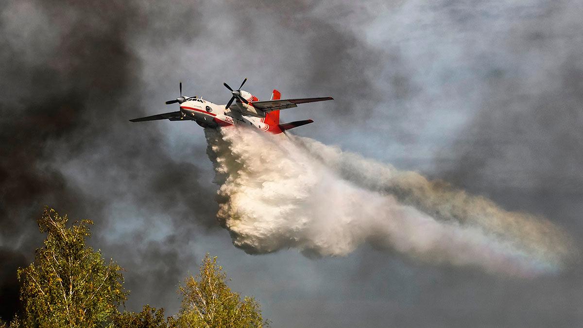 Айсен Николаев: Переломить ситуацию с пожарами в Якутии помогает крупнейшая за все годы авиагруппировка