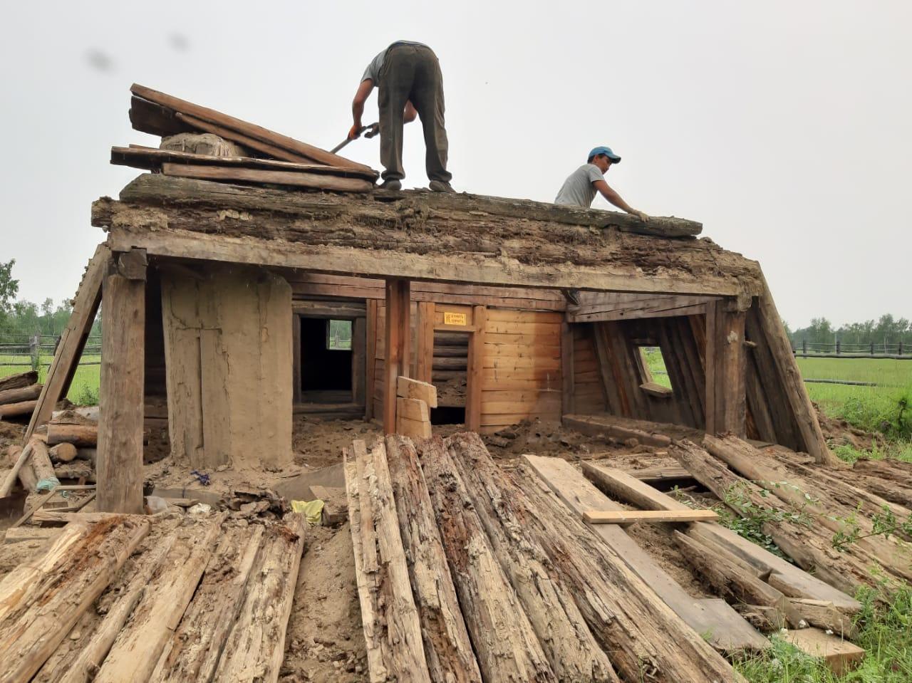 Реставрацию здания школы, в которой учился П.А. Ойунский, начали в Таттинском районе Якутии