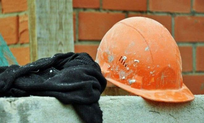 Пожилой рабочий погиб при строительстве нефтебазового комплекса в Нижнем Бестяхе в Якутии