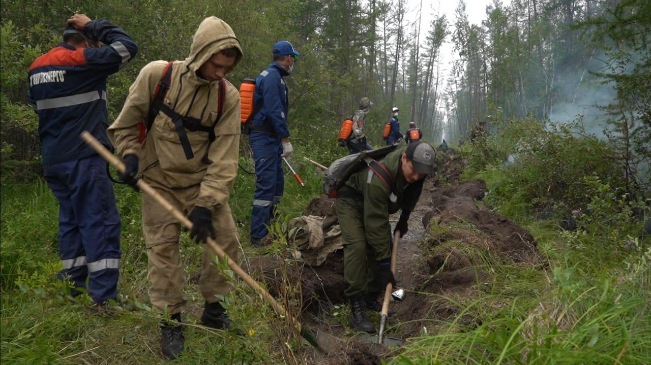 Айсен Николаев: Число лесных пожаров снизилось более чем на 100 очагов в Якутии