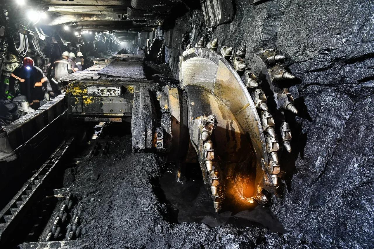 ГОК «Денисовский» переработал три миллиона тонн угля за полгода в Якутии
