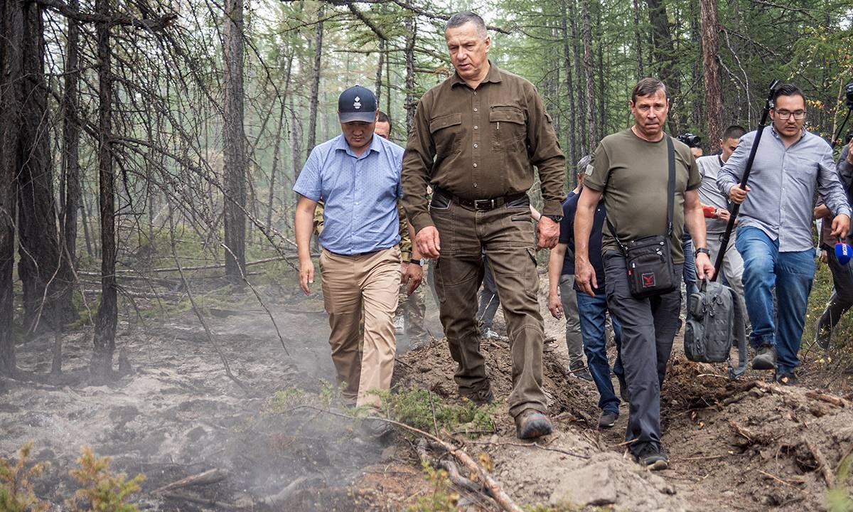 Юрий Трутнев поручил превентивно защищать все населенные пункты на пожароопасных территориях