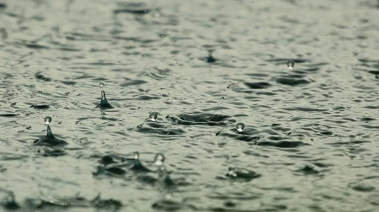 Гроза и дожди ожидаются в ряде районов Якутии 25 августа
