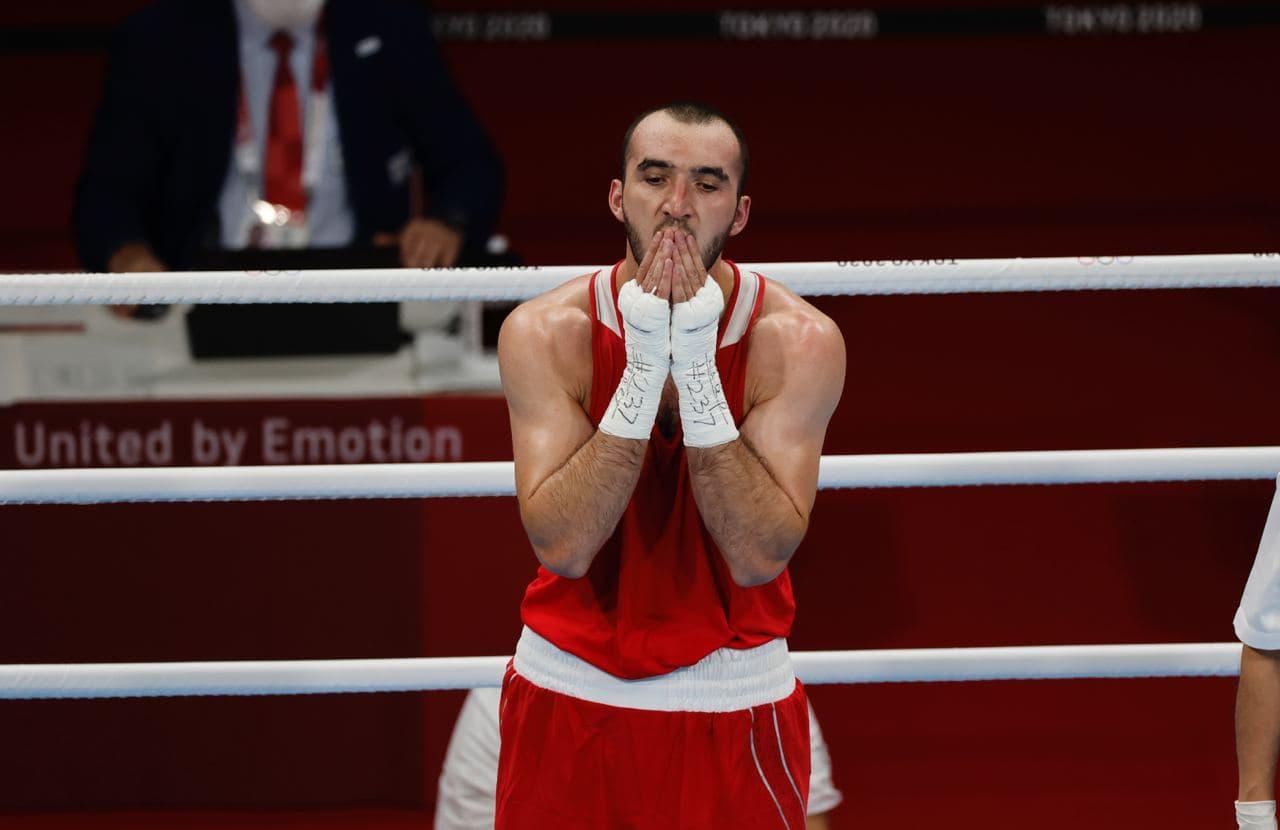 Российский боксер завоевал серебро Олимпиады в весе до 91 кг