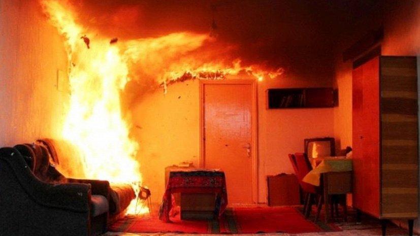 Два человека погибли при пожаре в жилом доме в Нерюнгринском районе Якутии