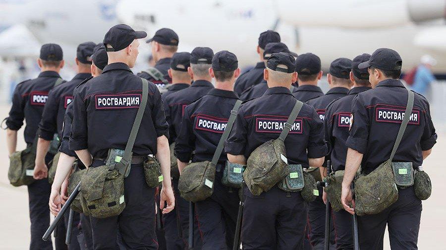 Владимир Путин подписал указ о выплате по 15 тыс рублей военным
