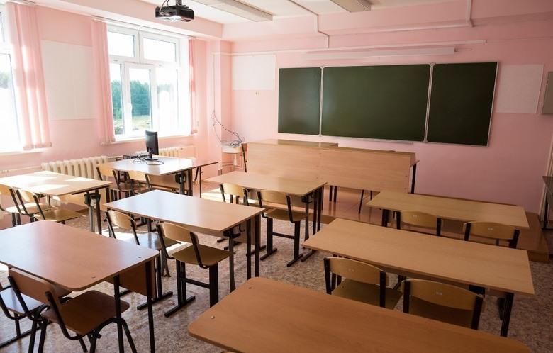 Ряд школ в Хангаласском районе Якутии перешел на дистанционное обучение