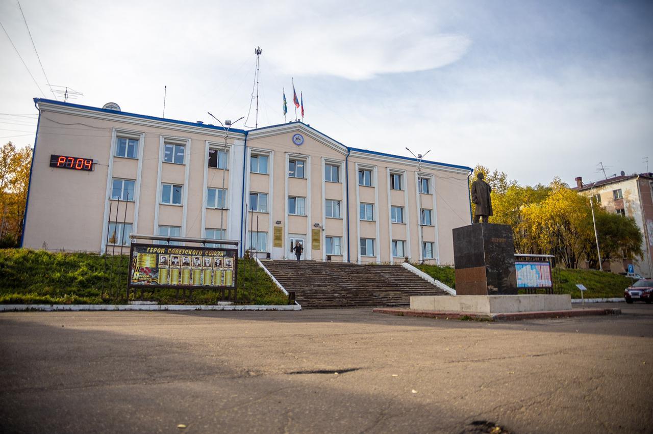 Айсен Николаев работает в Алданском районе