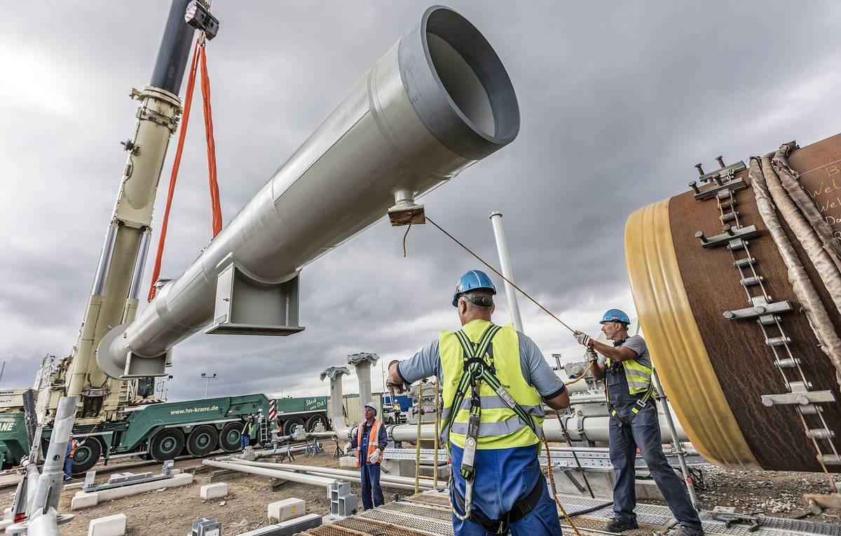 Строительство газопровода «Северный поток-2» полностью завершили