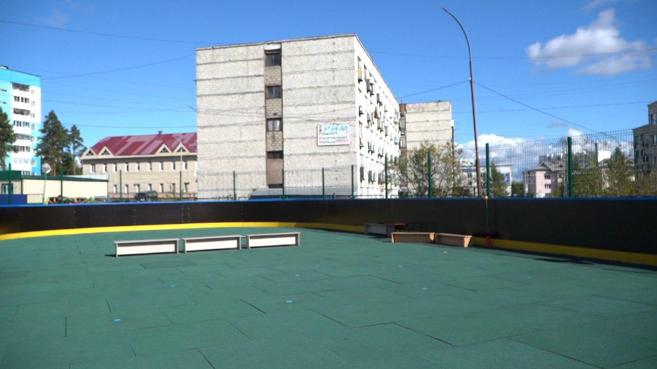 Многофункциональную спортивную площадку оборудовали в детсаду в Нерюнгри
