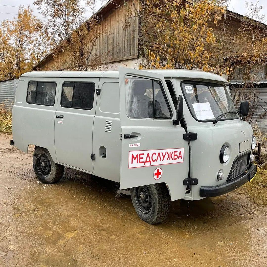 Новые автомобили скорой помощи доставили в Чурапчинский район Якутии