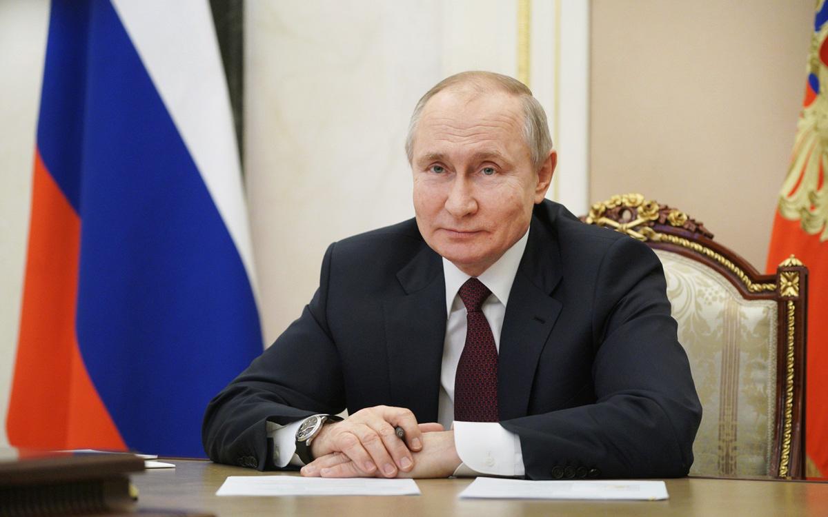 Владимир Путин проголосовал на выборах депутатов Госдумы онлайн