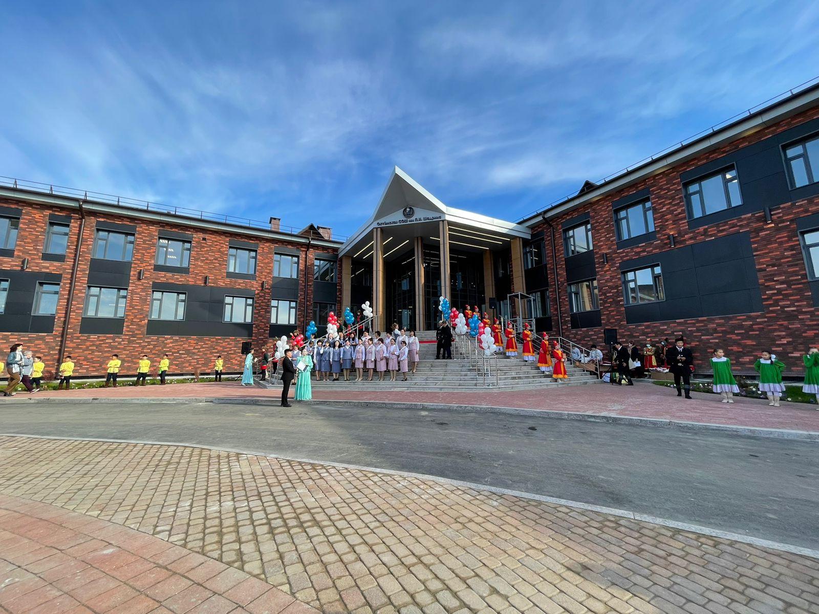 Новое здание школы-сада открыли в якутском селе Октемцы