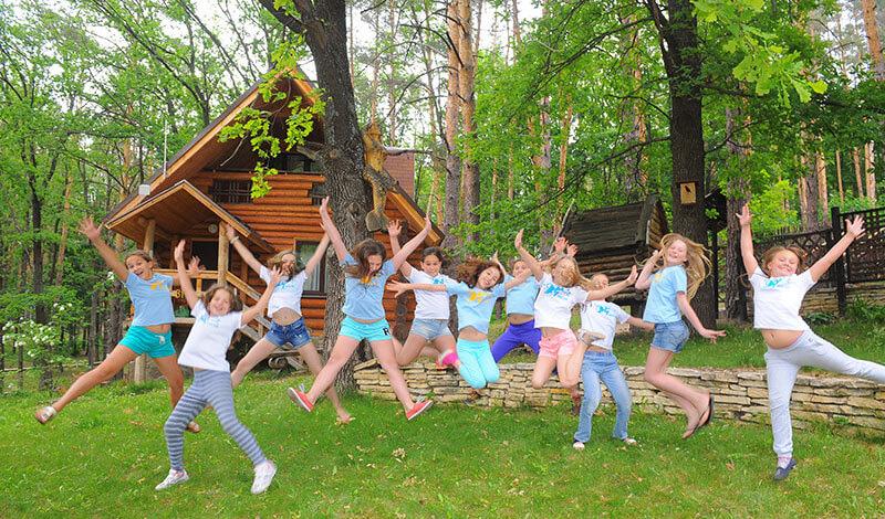 Детям-сиротам из Якутии компенсируют проезд и путевки на отдых
