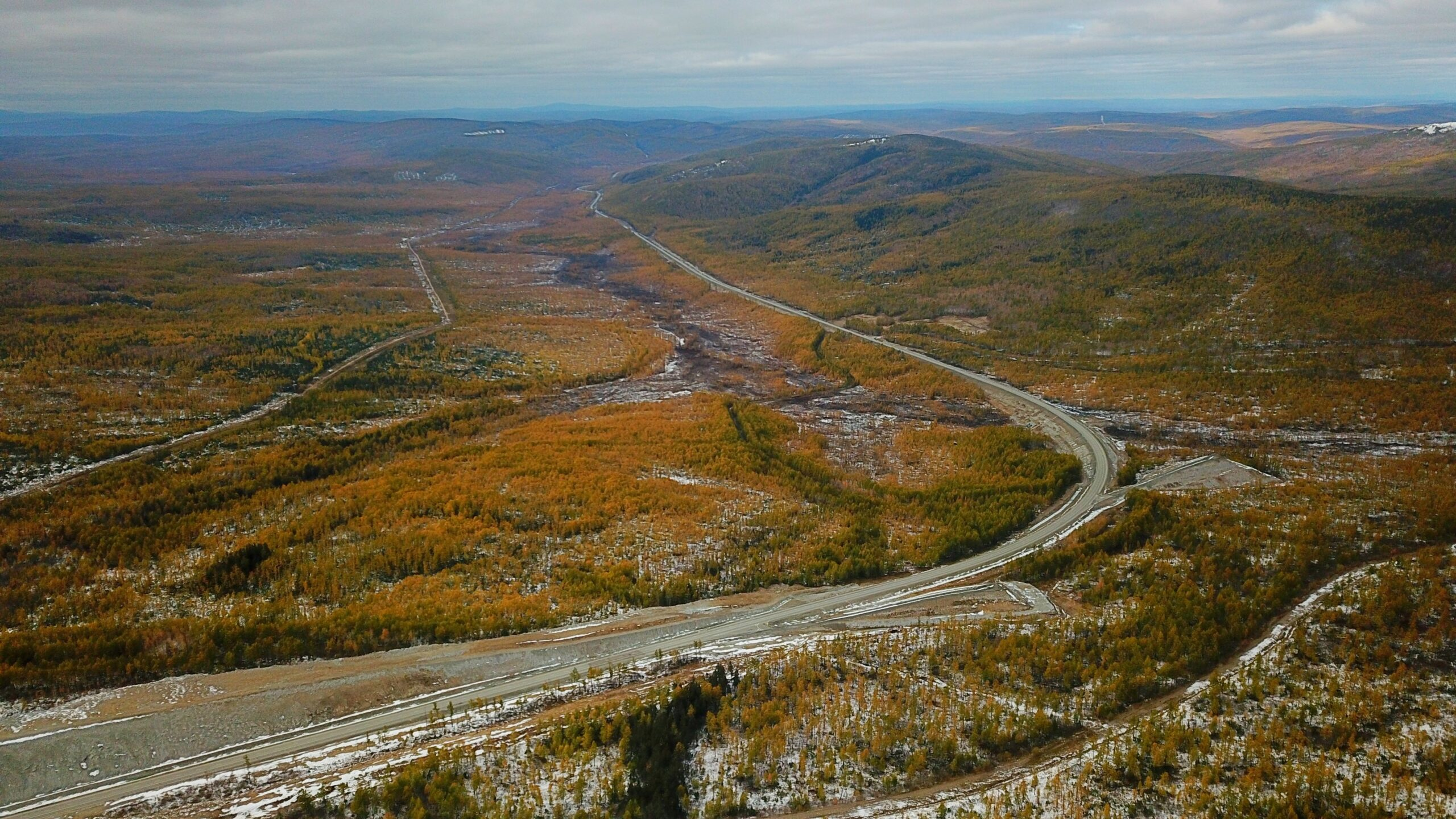 Более 30 единиц спецтехники дежурит на трассе «Лена» в Якутии в связи с похолоданием