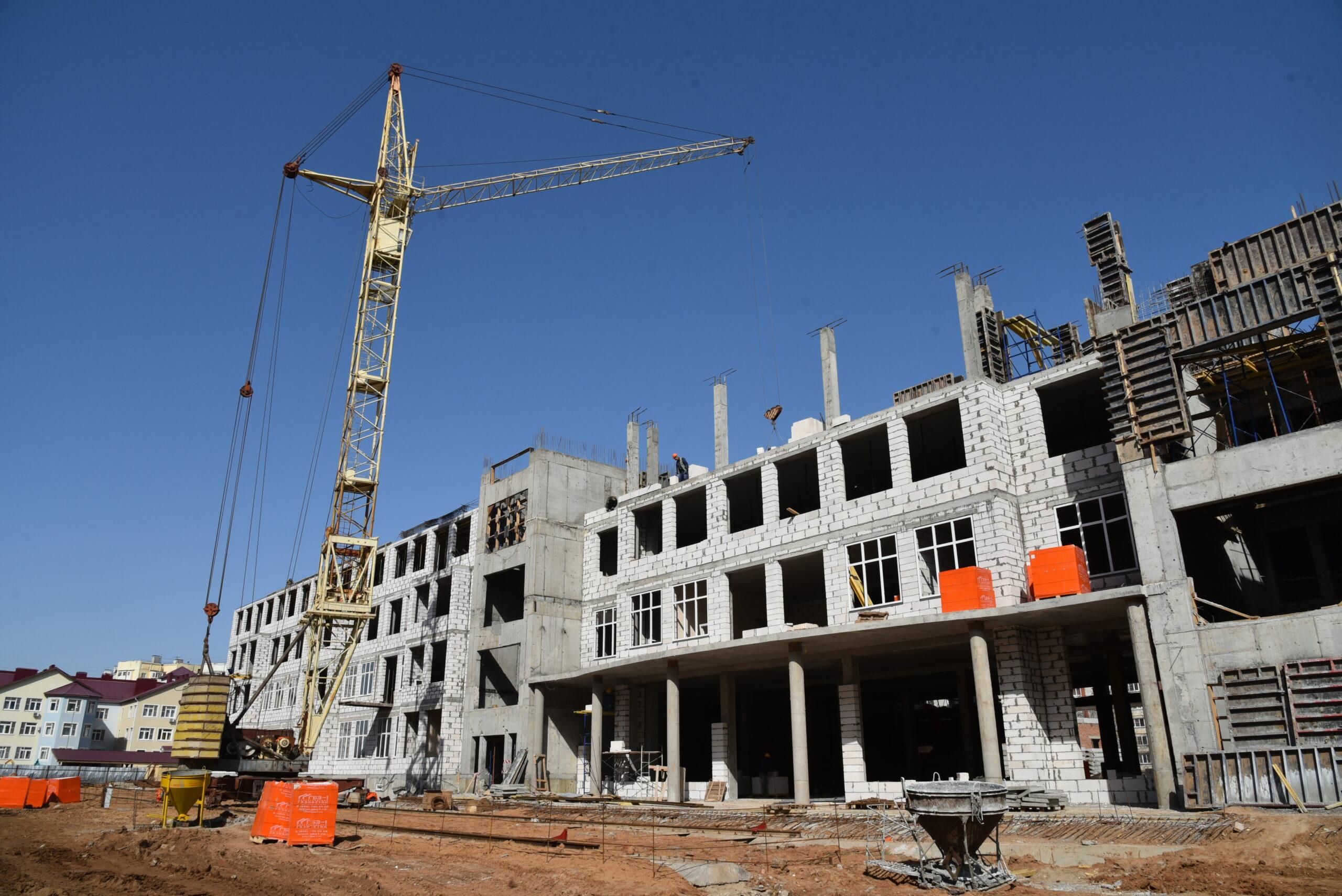 Более 30 школ построят в Якутии до 2024 года
