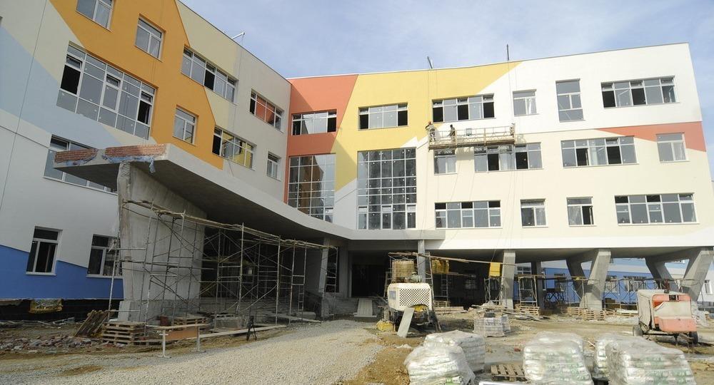 Двенадцать школ и пять пристроев планируют ввести в Якутске
