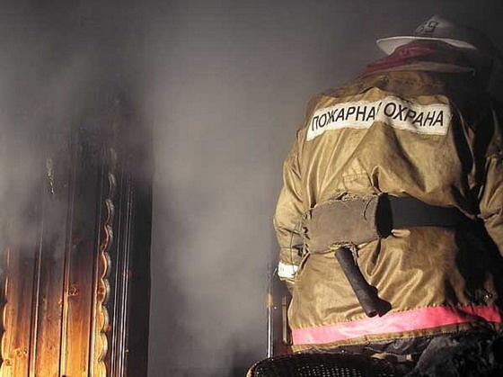 Тела двух мужчин обнаружили после тушения пожара на даче в Якутске
