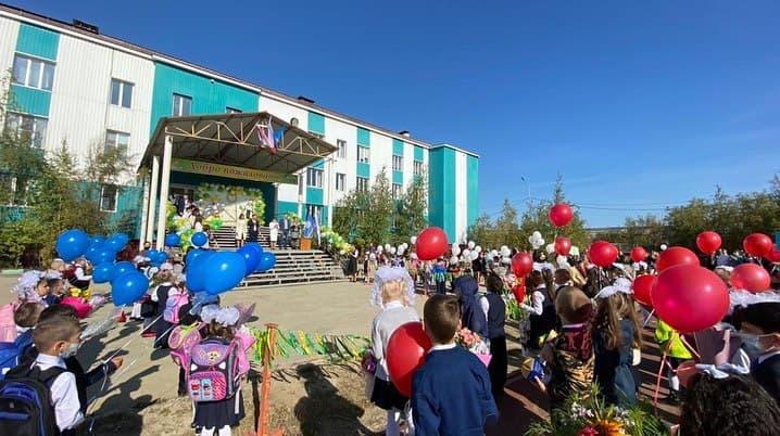 Информацию о стрельбе в одной из школ Якутска опровергли в мэрии