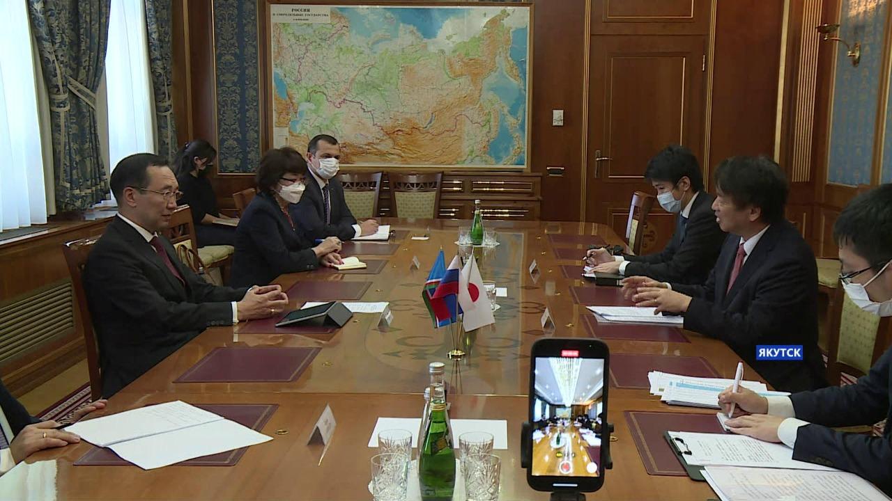 Айсен Николаев встретился с послом Японии Тоехиса Кодзуки