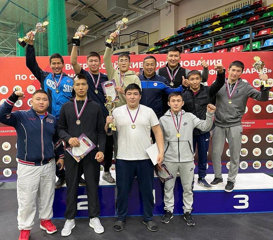 Якутские борцы выиграли пять золотых медалей на Всероссийском турнире «Ерофей Хабаров»