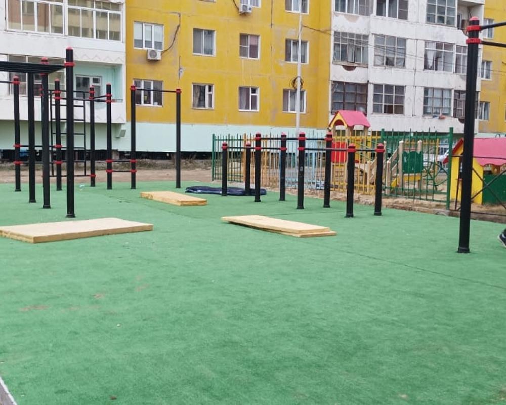 Установку спортивных воркаут-площадок продолжают в Якутске