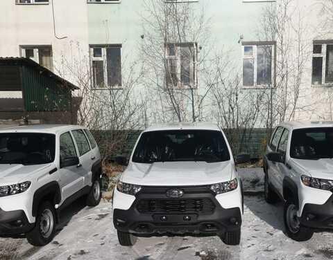 Медцентр Якутска получил новые автомобили для оказания паллиативной помощи
