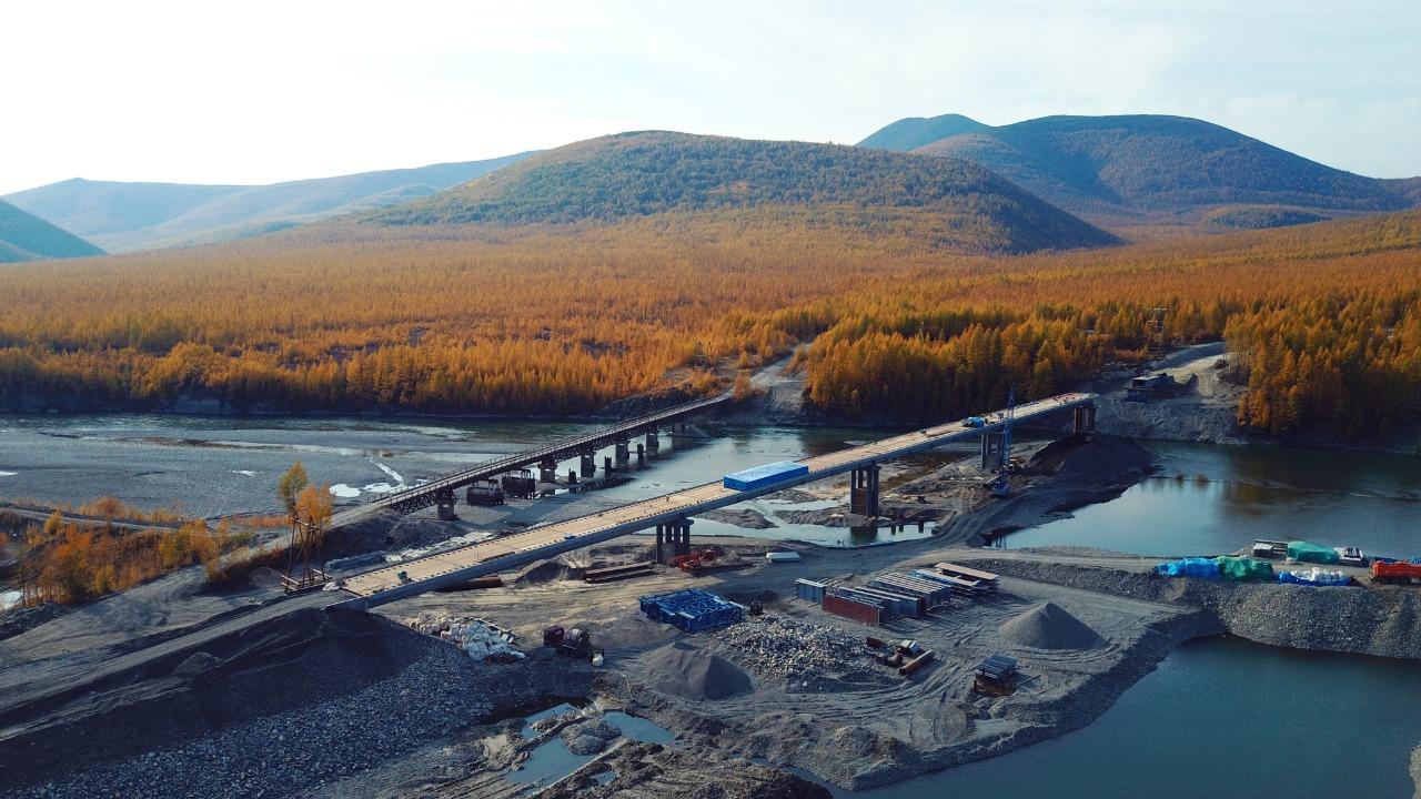 Реконструкция трех крупных мостовых переходов идет на автодорогах Якутии