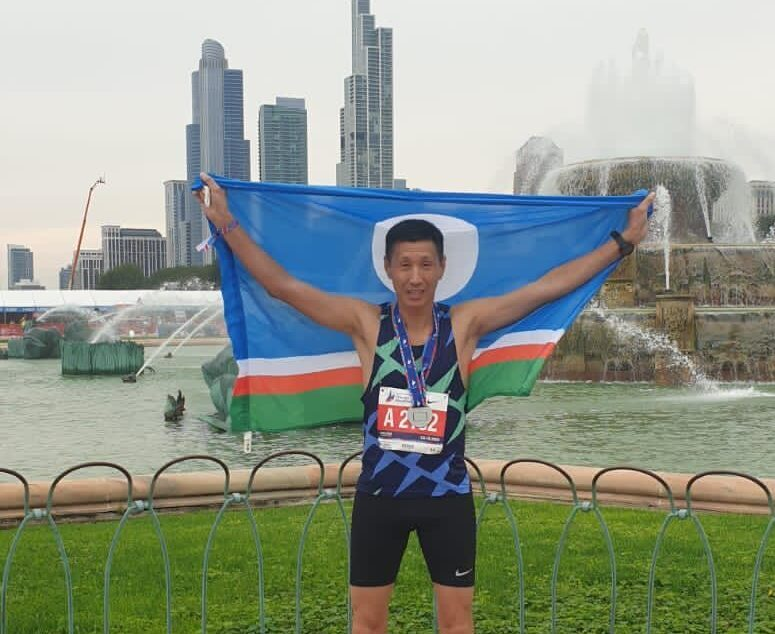 Якутянин Петр Захаров пробежал Чикагский марафон