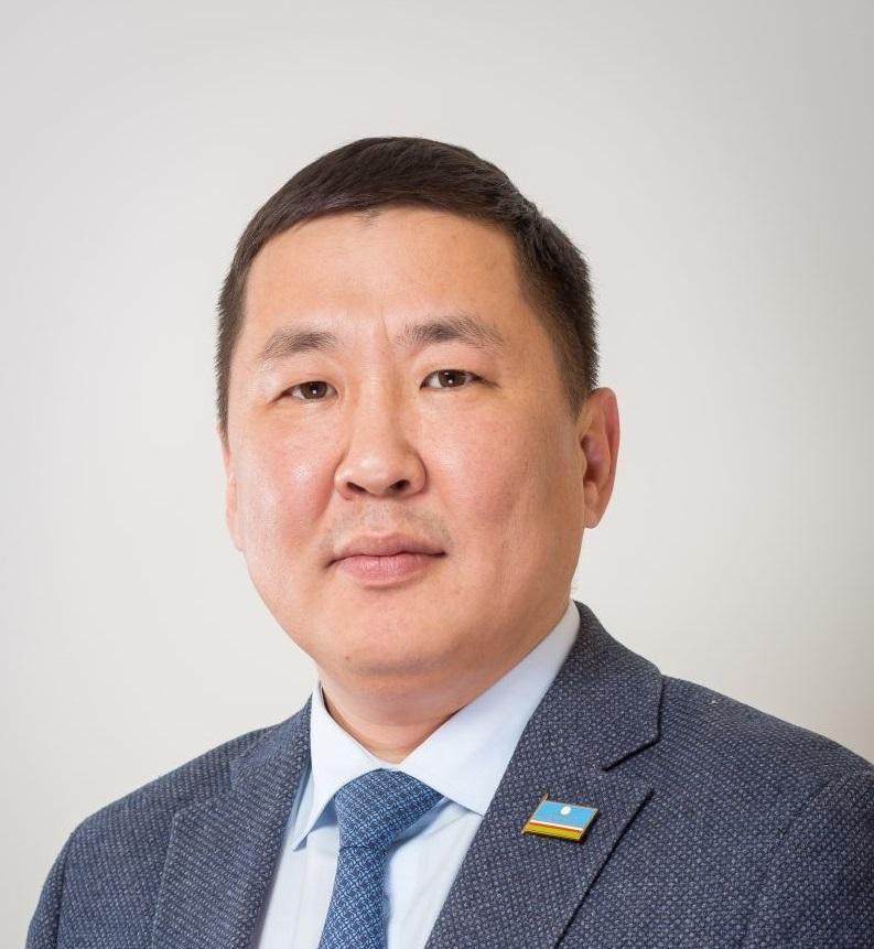 Степан Саргыдаев покидает пост главы Минмолодежи Якутии