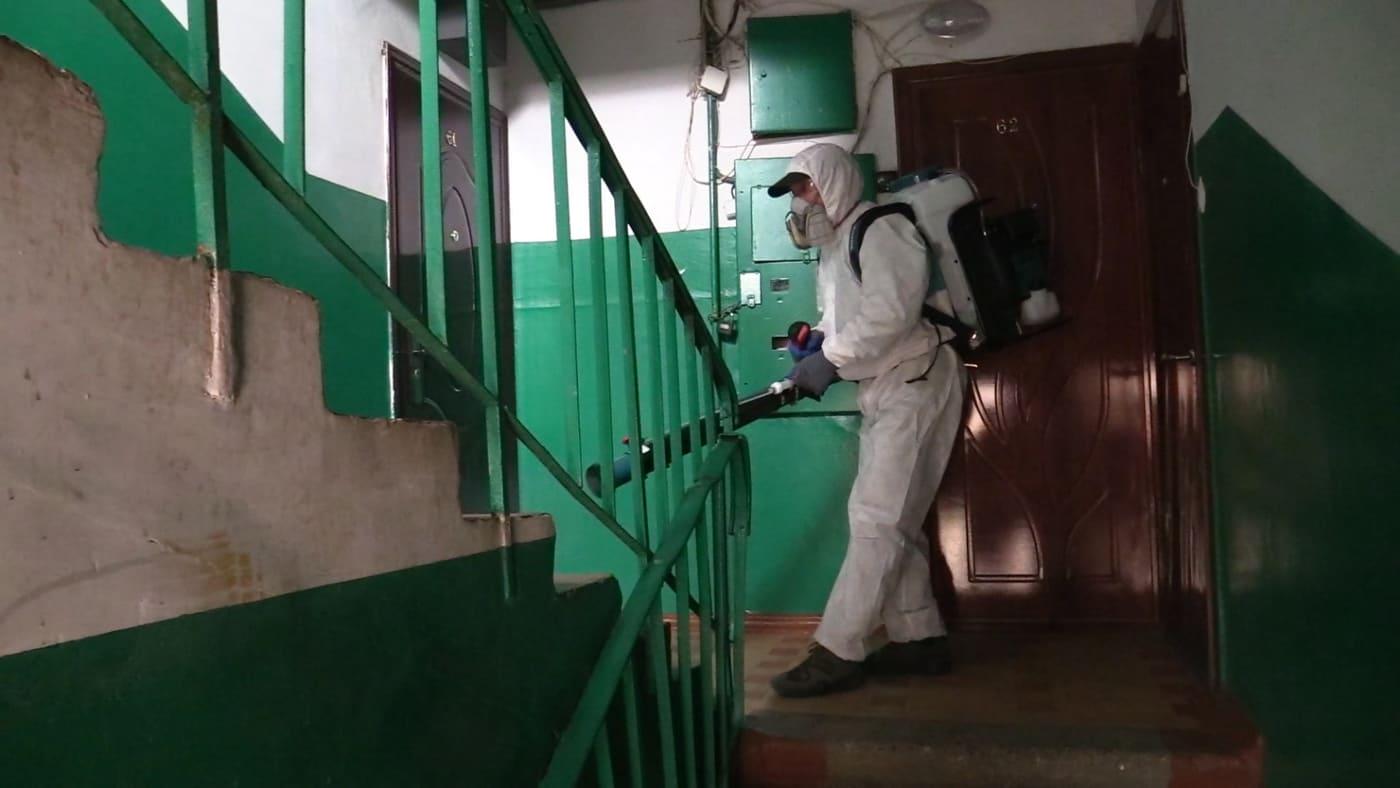 Дезинфекцию в многоквартирных домах и автобусах возобновят в Ленске в Якутии