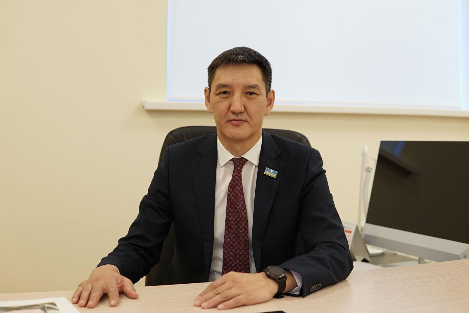 Михаил Сивцев покинул пост министра образования и науки Якутии